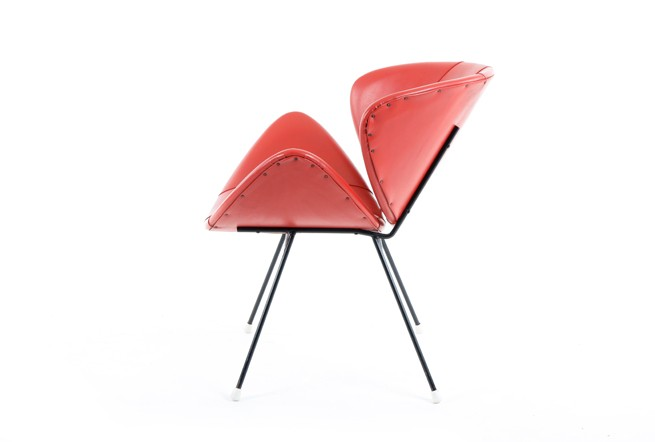Great Mid Century Lip Chair
