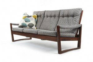 DON Trapezoid Sofa