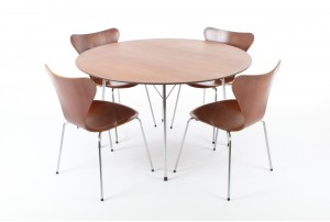 Fritz Hansen Series 7 Dining Suite