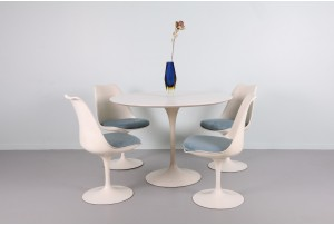 Eero Saarinen Tulip Dining Suite for Knoll