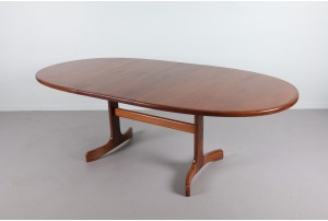 G-Plan Extandable Oval Dining Table