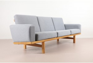 Hans Wegner Model 236 Sofa for Getama
