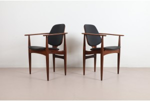 EoN Dining Chairs
