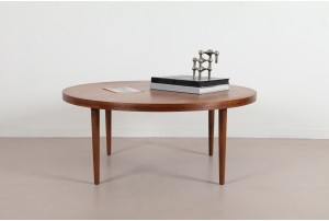 American of Martinsville Round 'X' Inlay Coffee Table