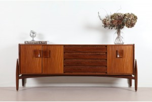 Stunning Elliot's of Newbury Sideboard