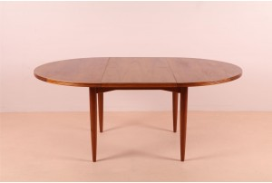 Parker Round Extendable Table