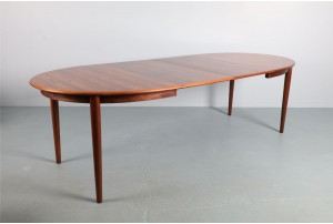 Vibrant Danish Rosewood Oval Dining Table