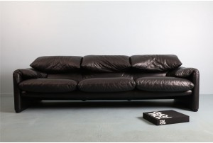 Cassina 'Maralunga' Leather Sofa
