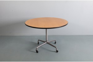 Early Eames 'Universal Base' Table for Herman Miller