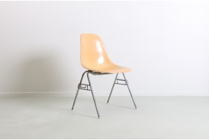 Eames 'DSS' Chair for Herman Miller