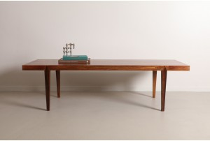 Chic Severin Hansen Jr. 'Model 44' Rosewood Coffee Table by Haslev